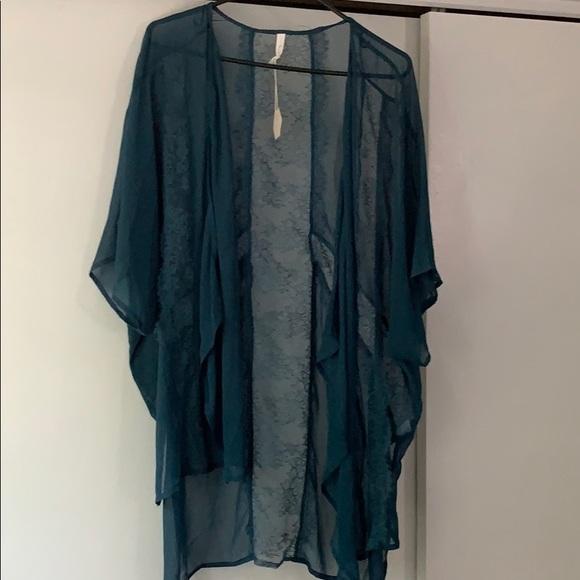 NWT Pinkblush Emerald Kimono